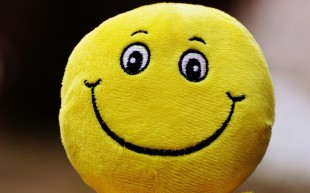 smiley_laugh_funny_emoticon_emotion_yellow_green_cheerful-659303 (1)